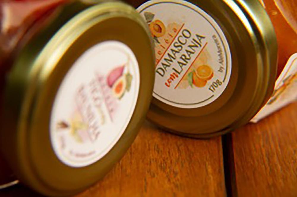 Geleias artesanais de figo com baunilha e damasco com laranja